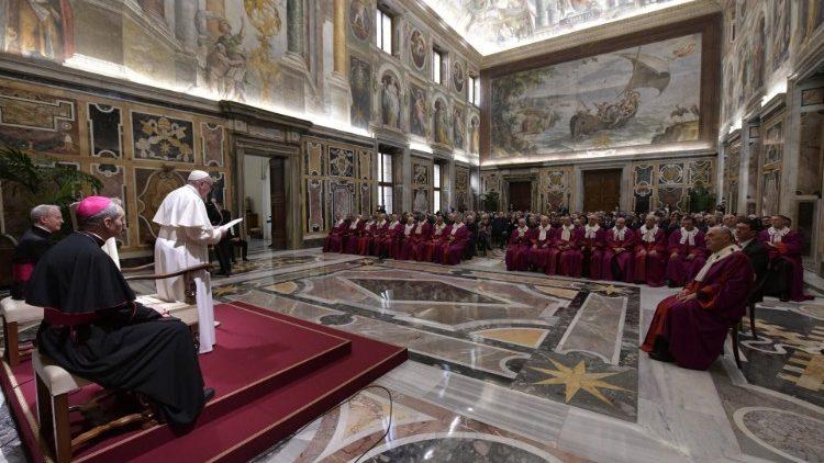 Las Claves del Discurso del Papa a la Rota Romana: La Unidad y La Fidelidad en el Matrimonio